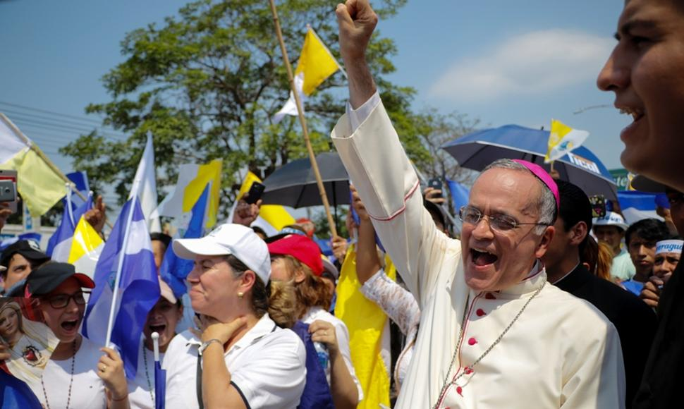 Marcha Iglesia 4.jpg
